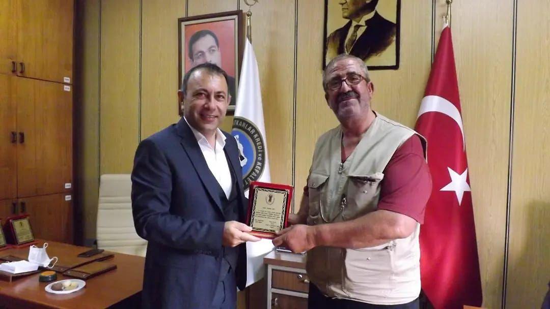 Başkan İbaş Ahilik Haftası münasebetiyle Avanos Esnaf ve Sanatkarlar Odası'nda gerçekleştirilen programa katıldı.