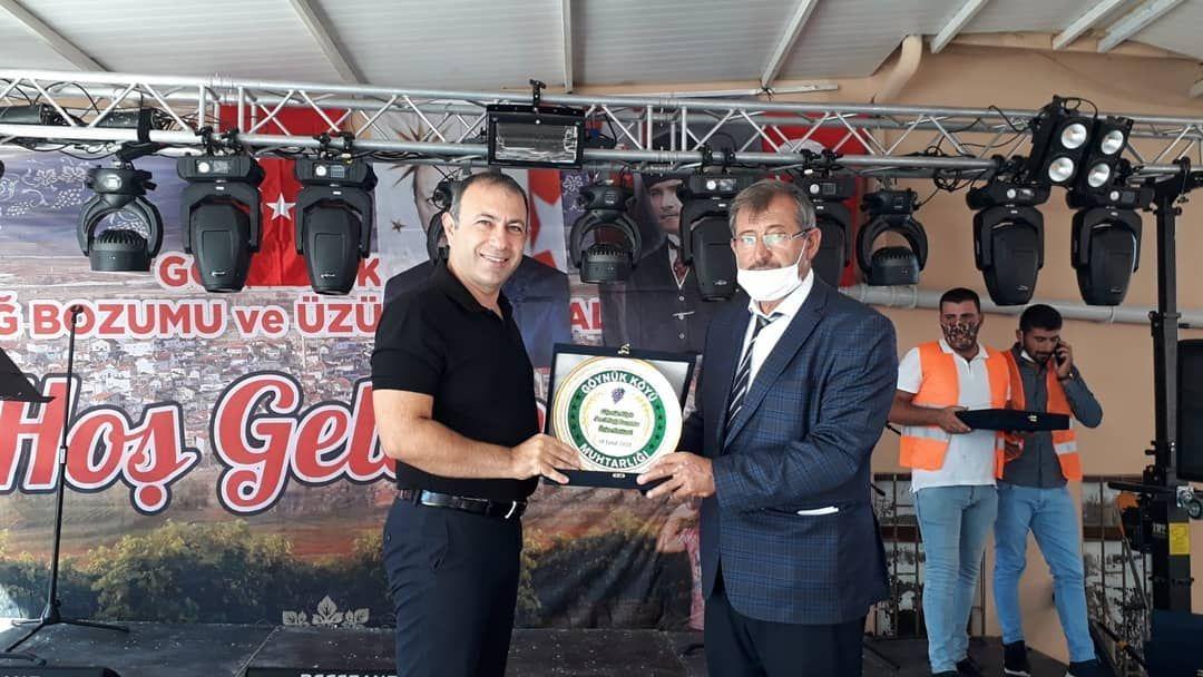 """Başkan İbaş Göynük'te geleneksel olarak gerçekleştirilen """"Göynük Köyü 5. Bağ Bozumu ve Üzüm Festivali'ne katıldı."""